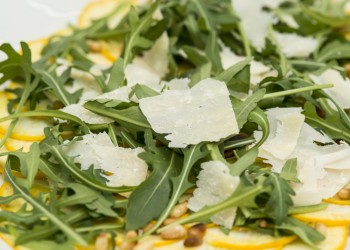 Yellow courgette carpaccio