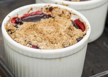Blackberry and apple crumble pots